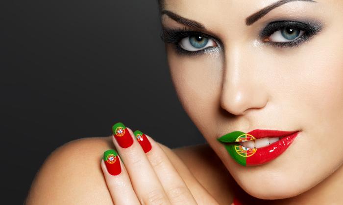Supportez le Portugal avec ce kit du supporter sexy et facile à appliquer !  Lip tattoo, drapeau, nail patch aux couleurs du Portugal !
